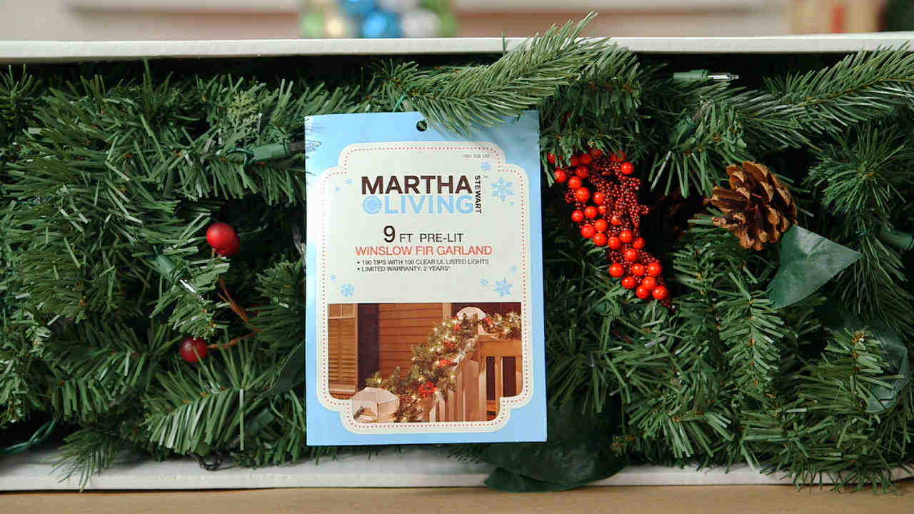 video how to decorate with garland martha stewart