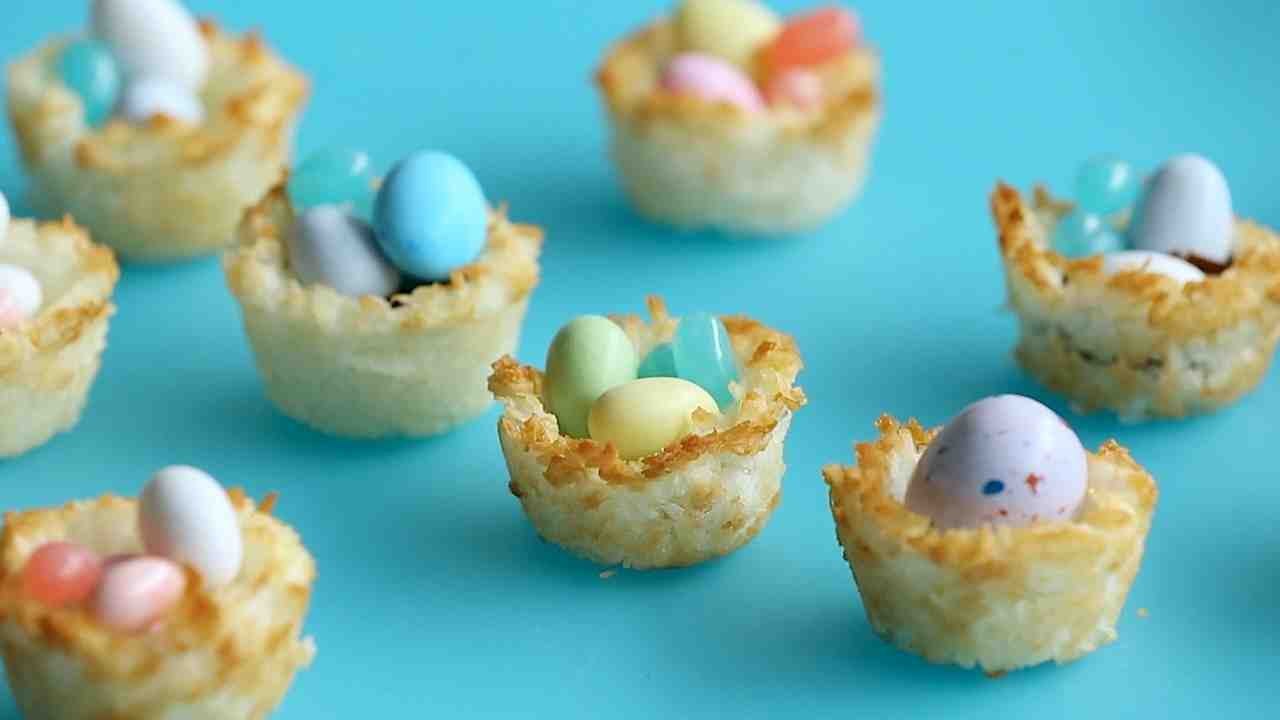 Coconut macaroon nests negle Images