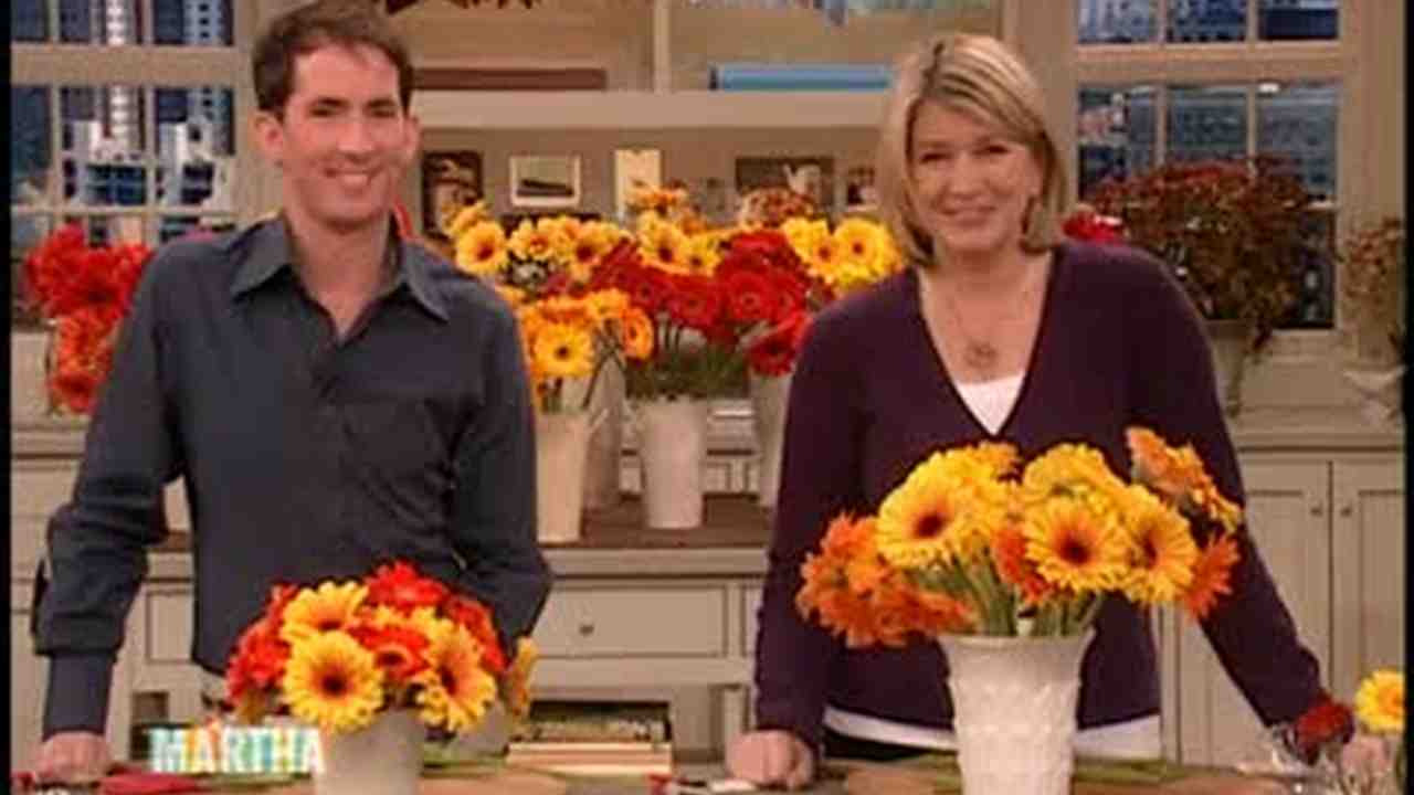 Video gerber daisy flower arrangements martha stewart izmirmasajfo