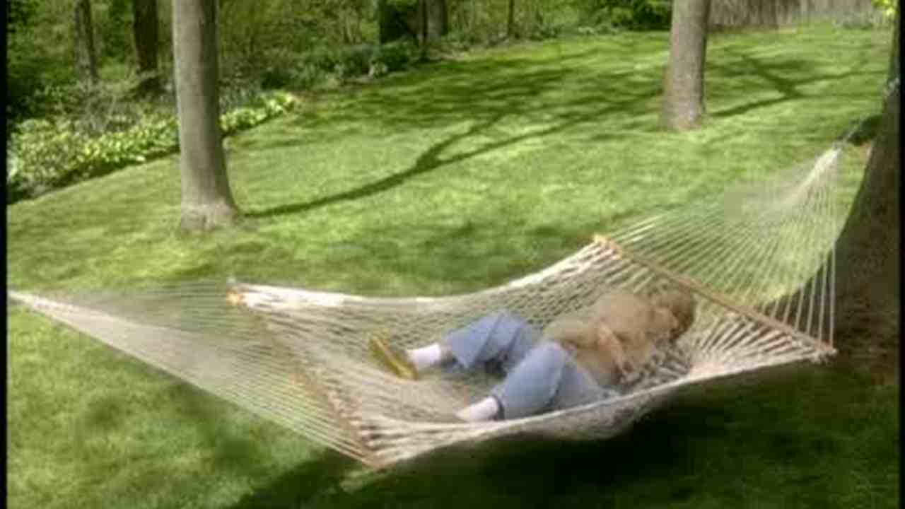 Video How To Hang A Hammock In Your Yard