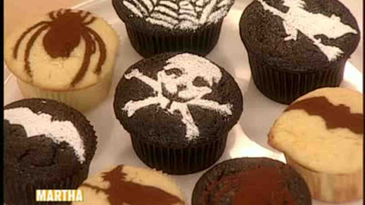 video make creepy cup cakes for halloween martha stewart - Martha Stewart Halloween Cakes