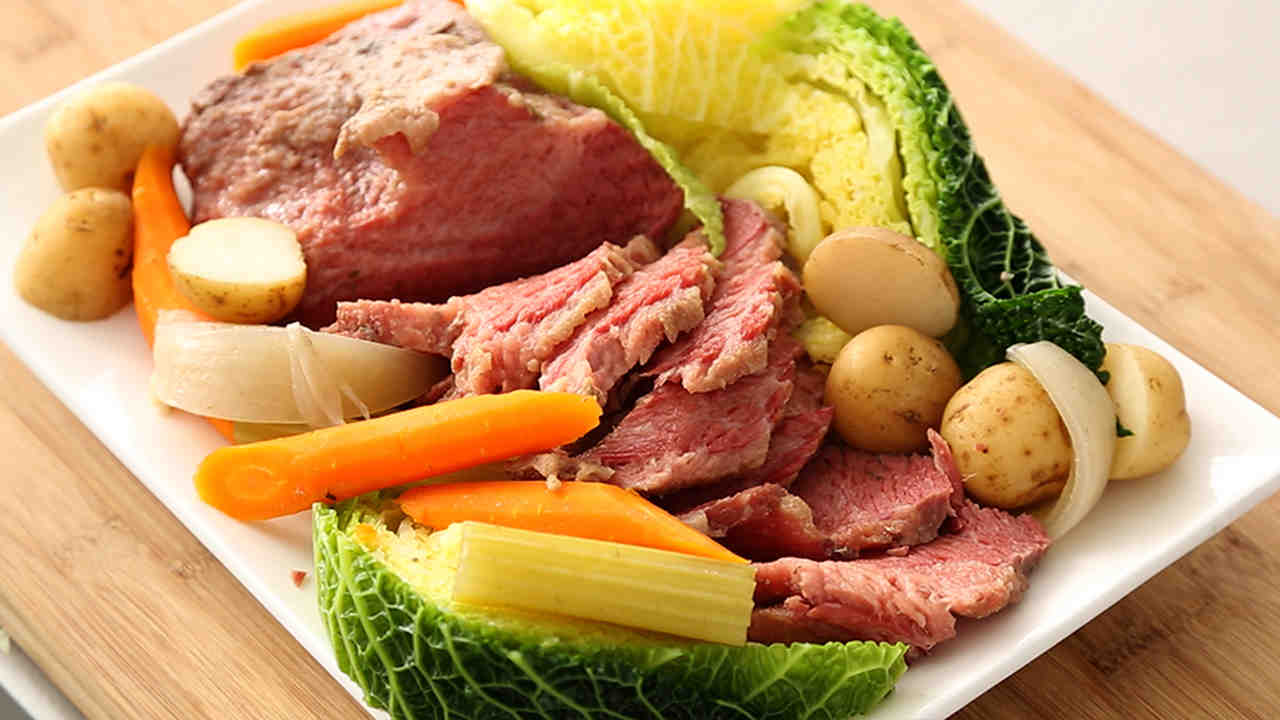 Slow cooker corned beef and cabbage ccuart Gallery