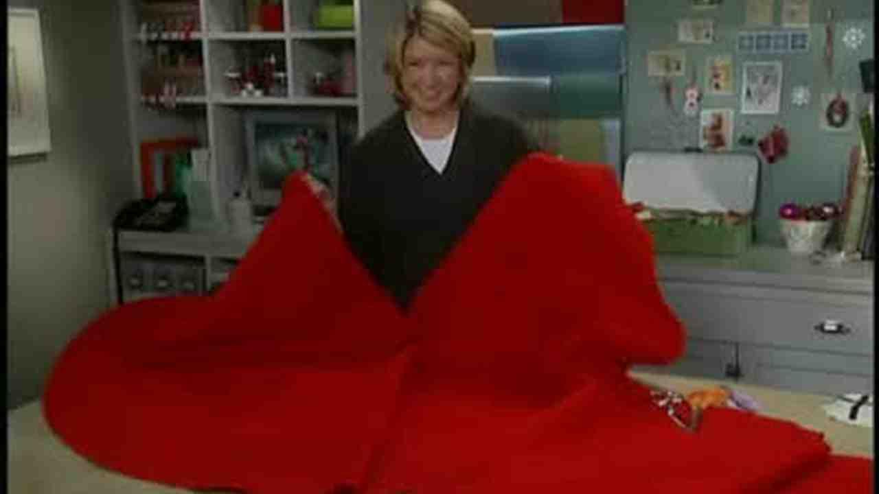 Video: Good Thing: Felt Christmas Tree Skirts   Martha Stewart