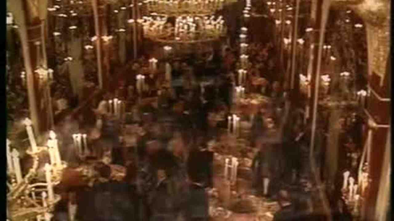 Video: History Of The New York Russian Tea Room | Martha Stewart