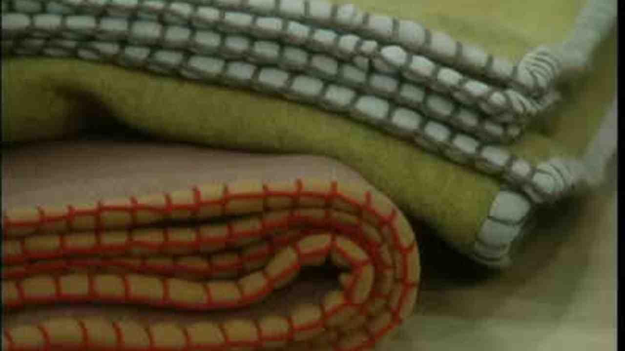 Video: How to Make a Hand-made Polartec Blanket | Martha Stewart
