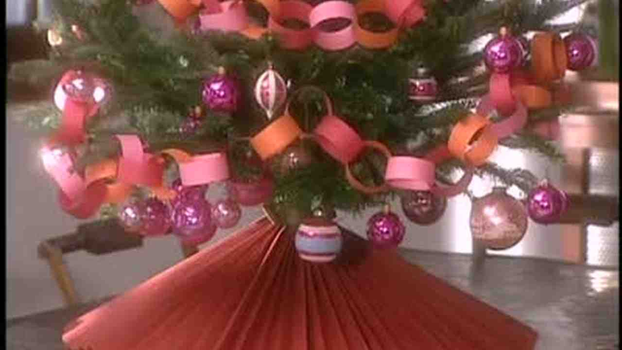 Make a felt christmas tree skirt
