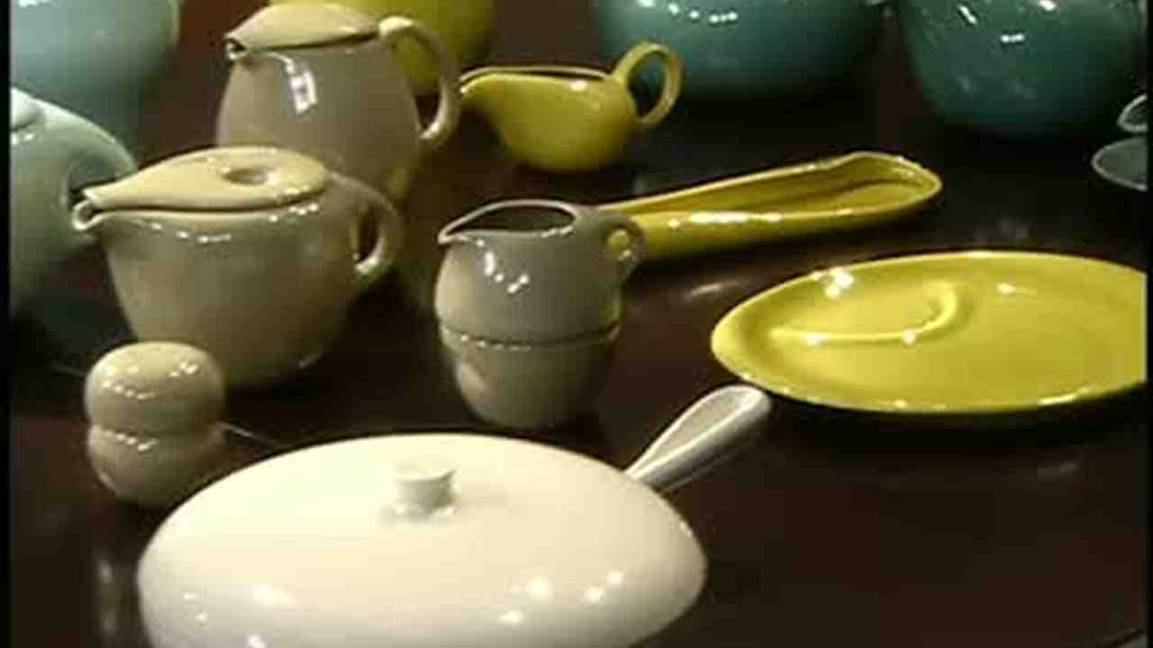 Video: Russel Wright\'s American Modern Dinnerware | Martha Stewart