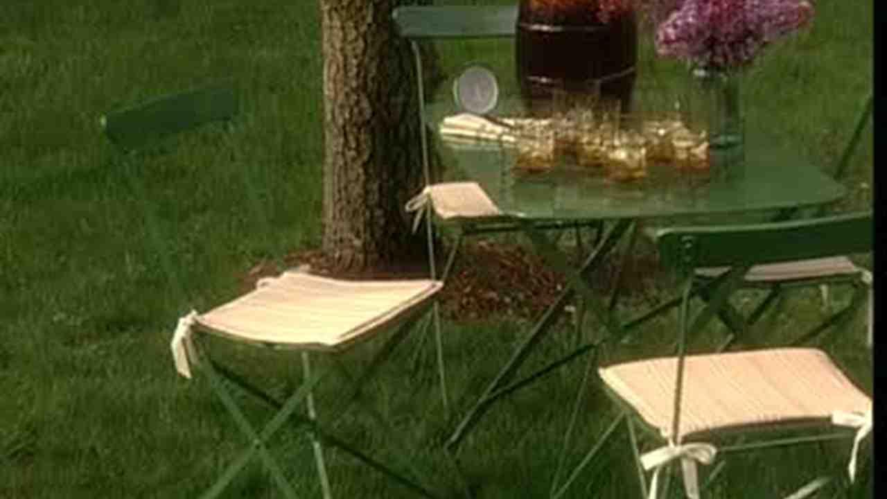 Video Making Custom Fabric Outdoor Chair Cushions Martha Stewart