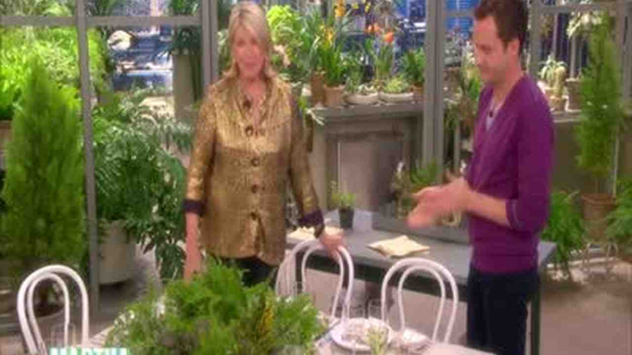 Video: Rustic and Contemporary Table Setting Ideas | Martha Stewart