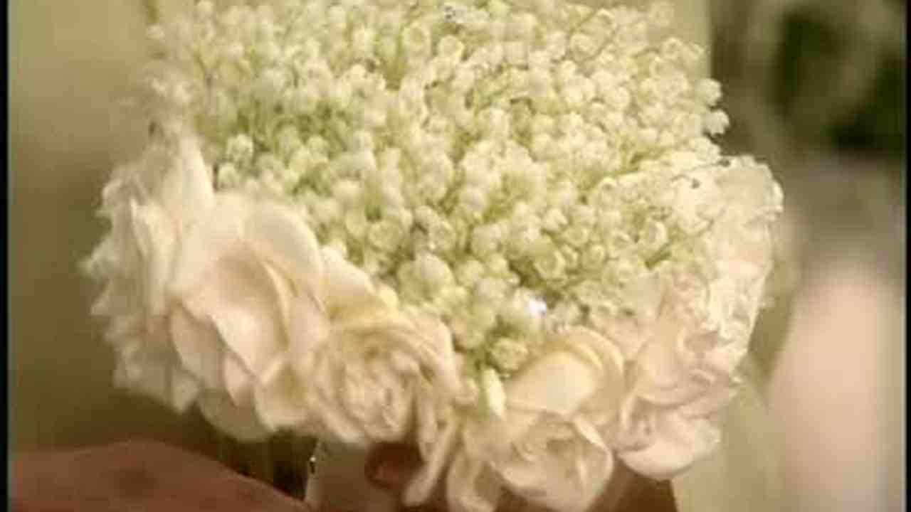 Video How To Create A White Scented Wedding Bouquet Martha Stewart
