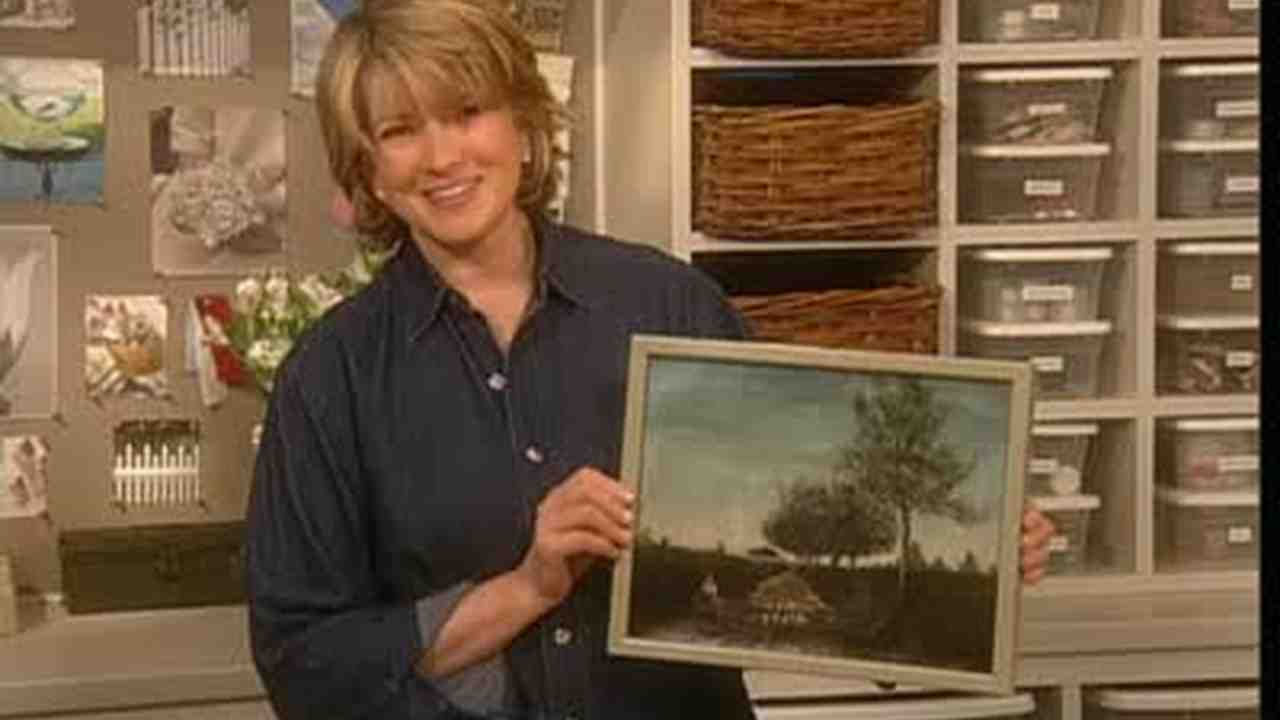 Video: Using Molding to Create a Simple Picture Frame | Martha Stewart