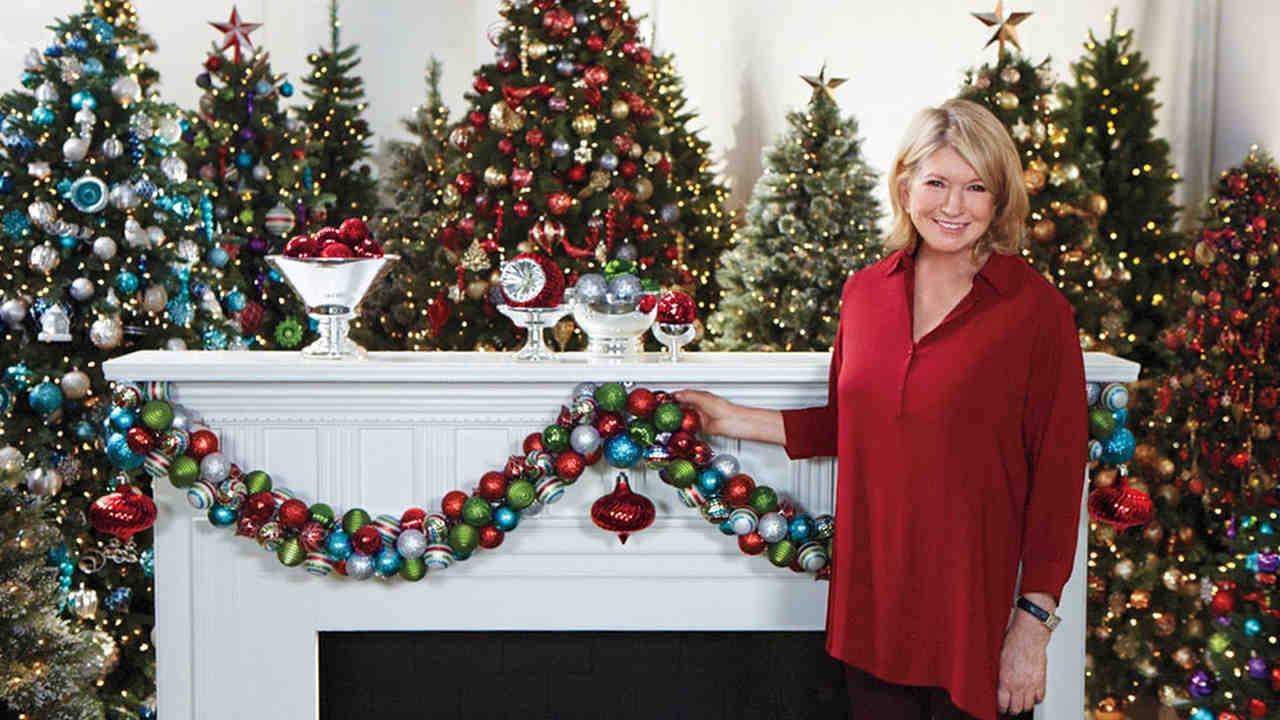 Video Ask Martha Creating an Ornament Garland  Martha Stewart