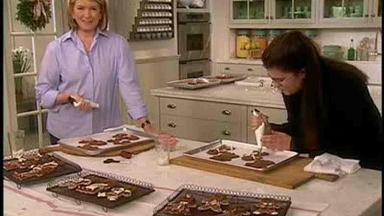 Video: How To Make Gingerbread Men Christmas Ornaments  Martha Stewart