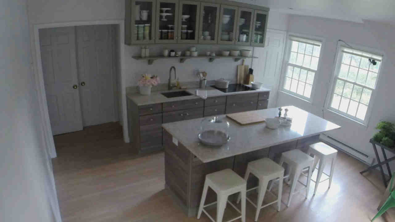Video: Time Lapse: Marthau0027s Maple Avenue Kitchen Remodel | Martha Stewart