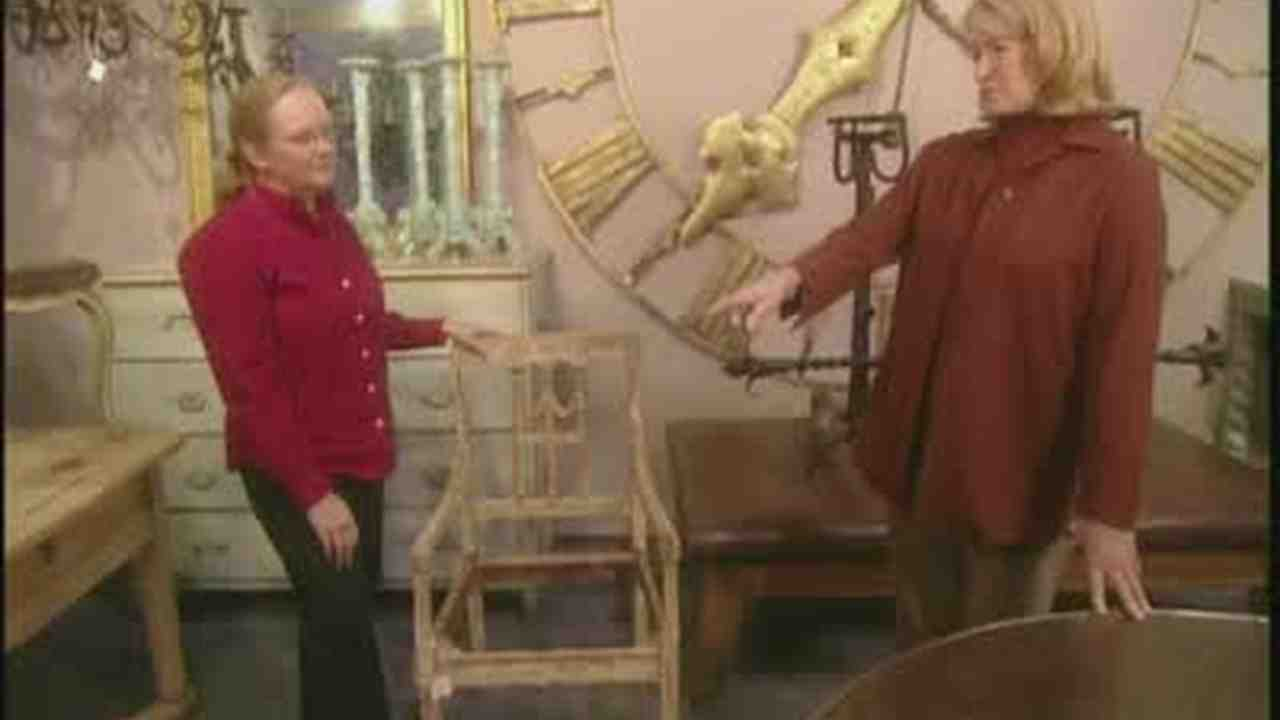 Video: Outdoor Antiques At A Home And Garden Trade Show | Martha Stewart