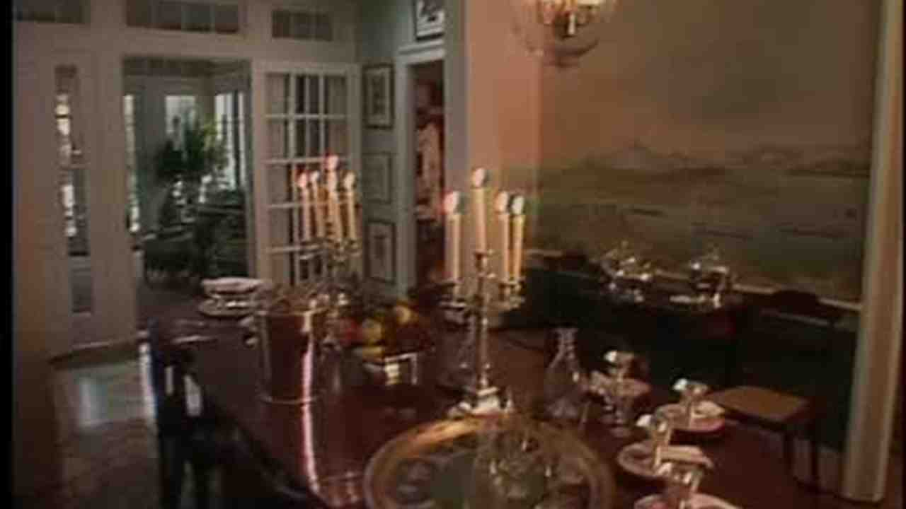 Video: Renovation Of Farmhouse Dining Room And Sun Room | Martha Stewart