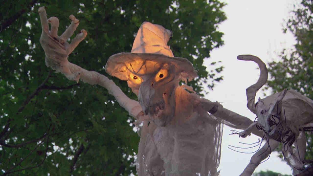 video: diy outdoor halloween decorations | martha stewart
