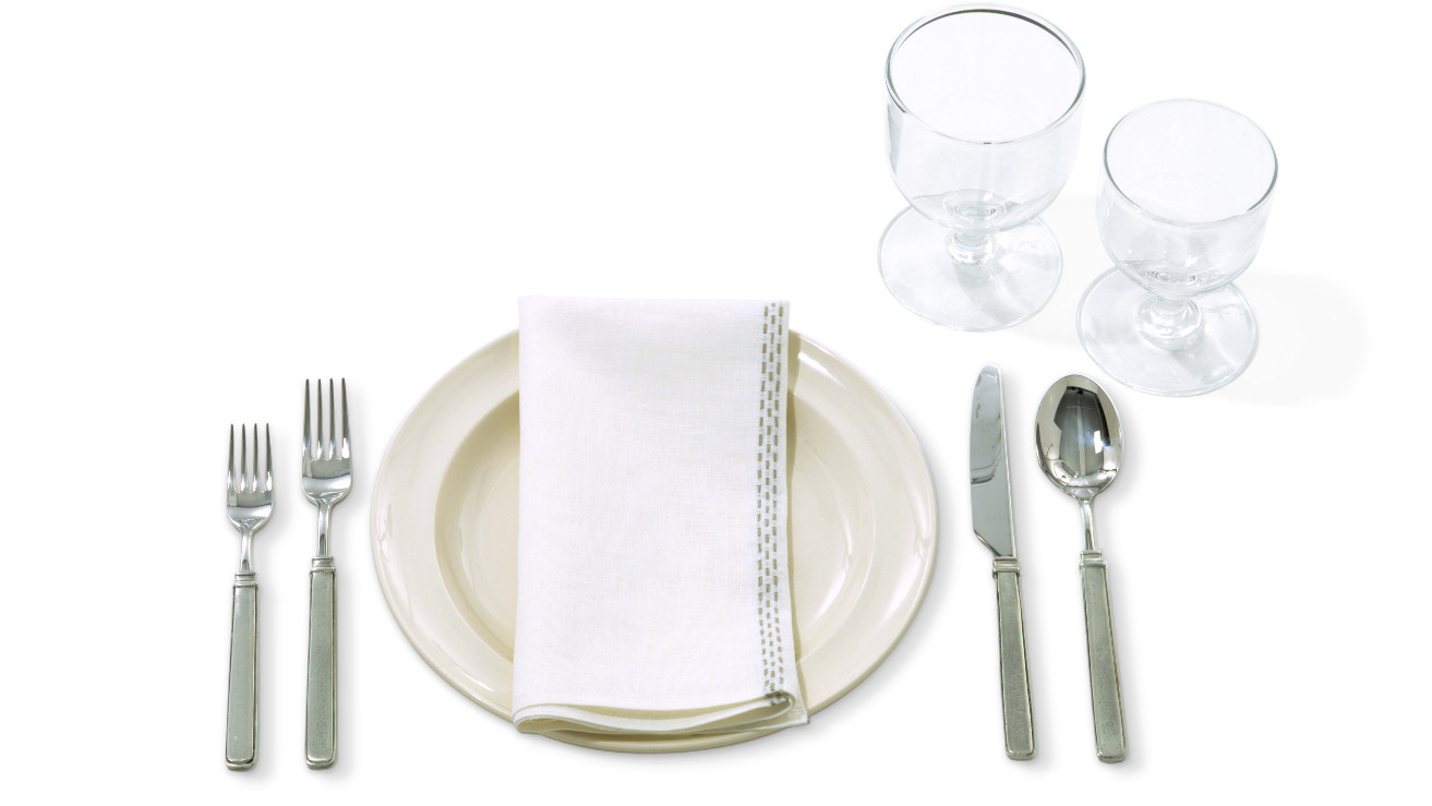 sc 1 st  Martha Stewart : setting table napkin placement - pezcame.com