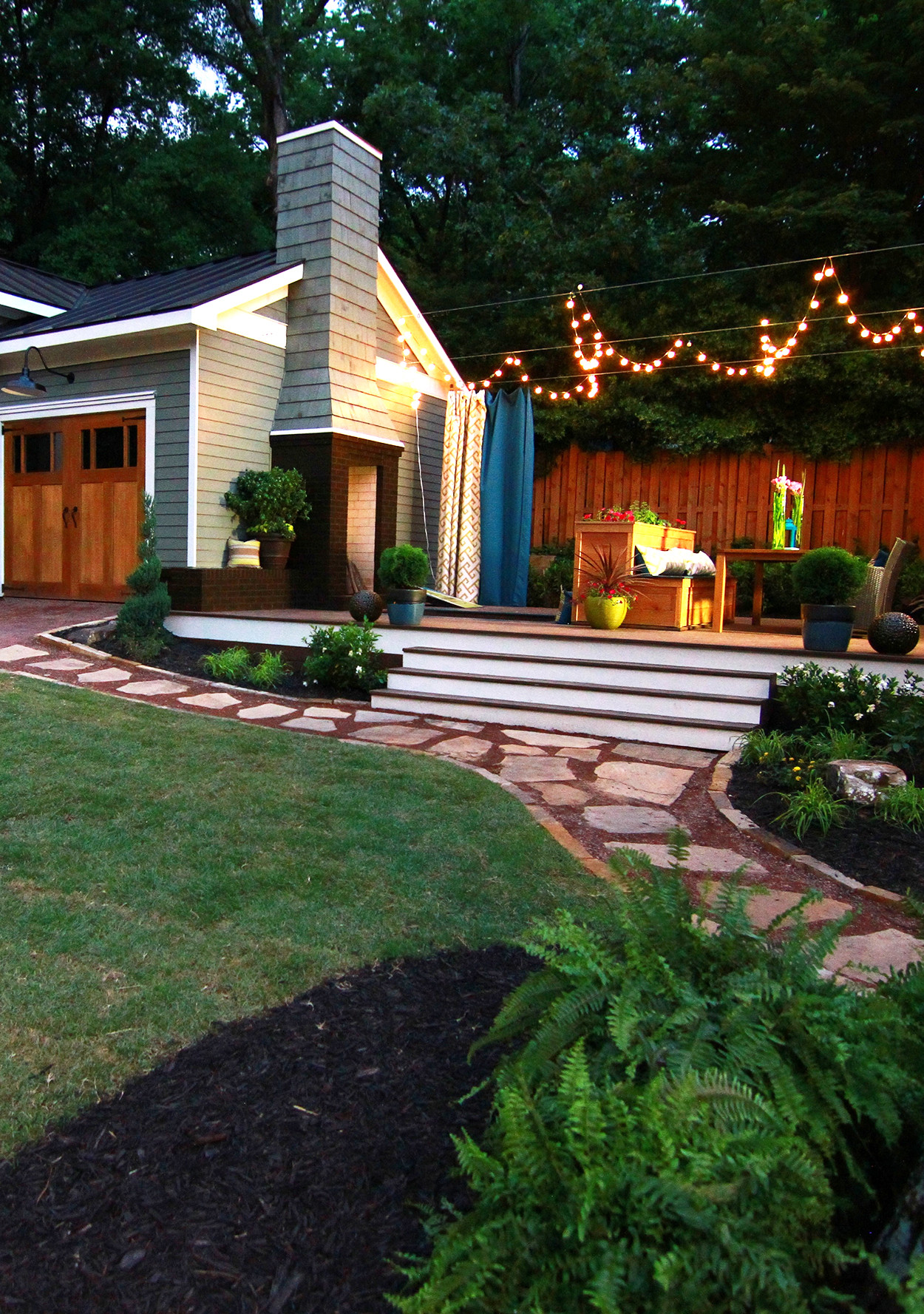How to Turn a Small Backyard into an Entertaining Oasis - How To Turn A Small Backyard Into An Entertaining Oasis Martha Stewart