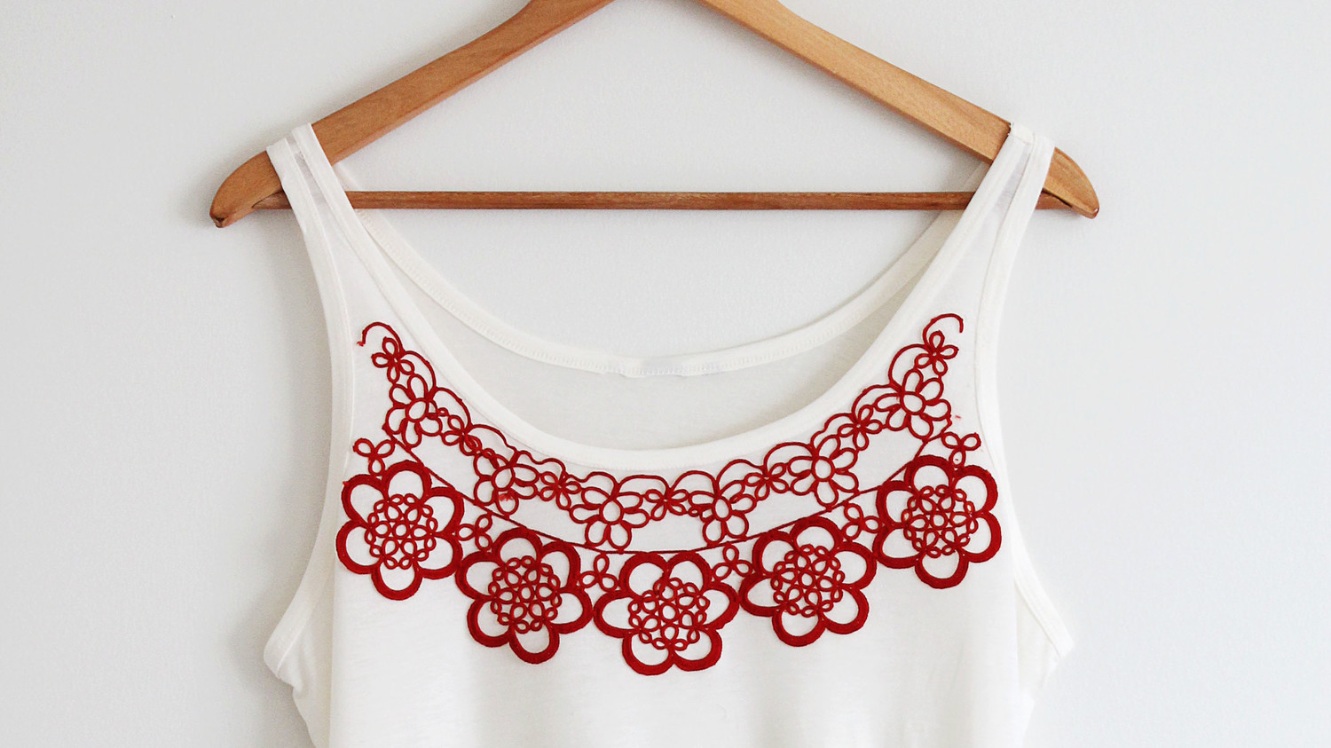 Crochet Appliqué Tank Top