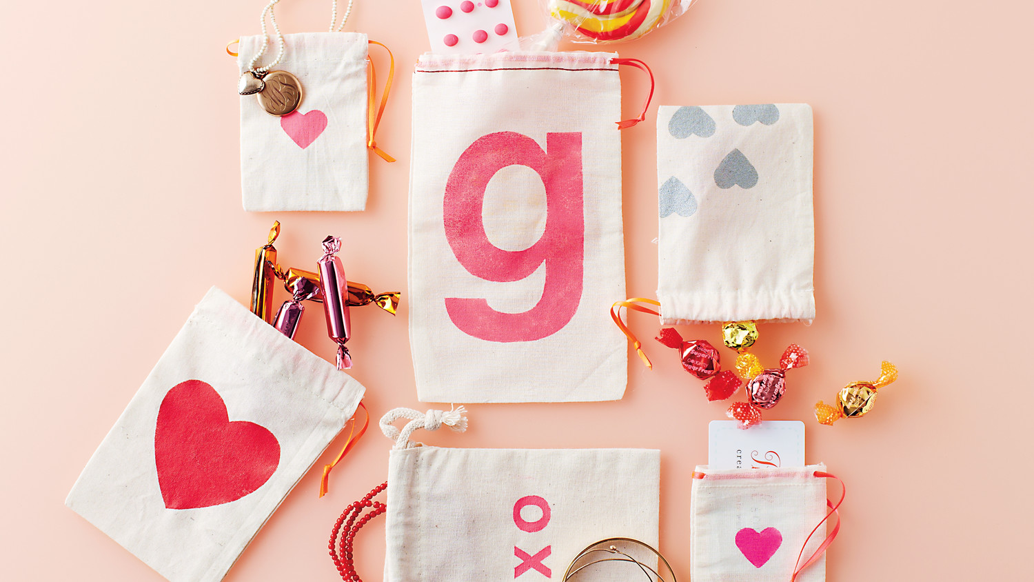 Martha Stewart Wedding Gift Ideas: Stenciled Valentine Gift Bags