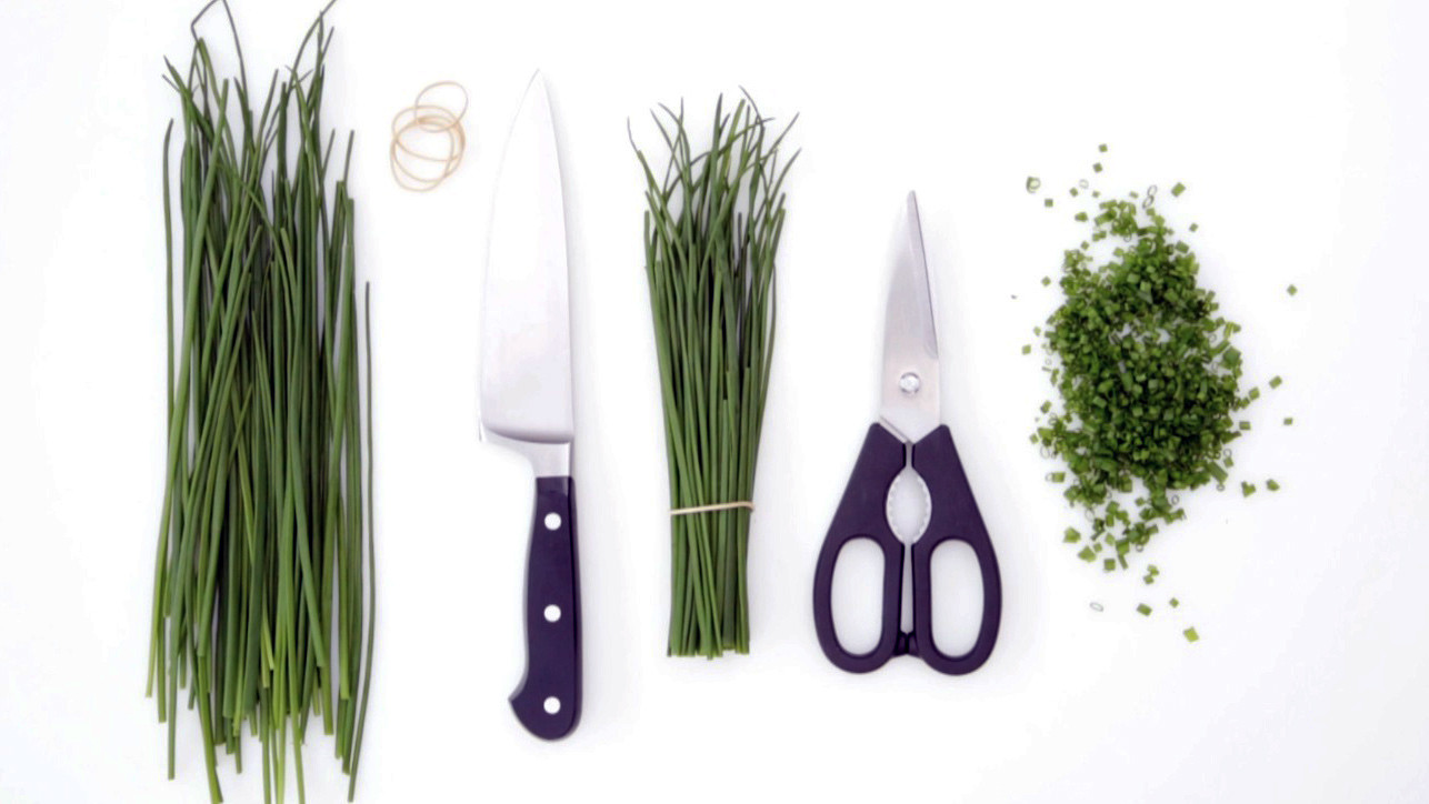 Video: How to Chop Chives | Martha Stewart