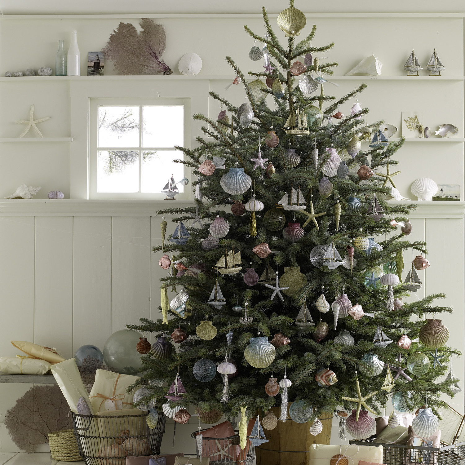 Here S How To Host A Very Merry Christmas In July Party Martha Stewart