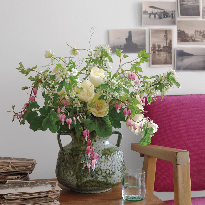 natural indoor flower arrangements martha stewart. Black Bedroom Furniture Sets. Home Design Ideas