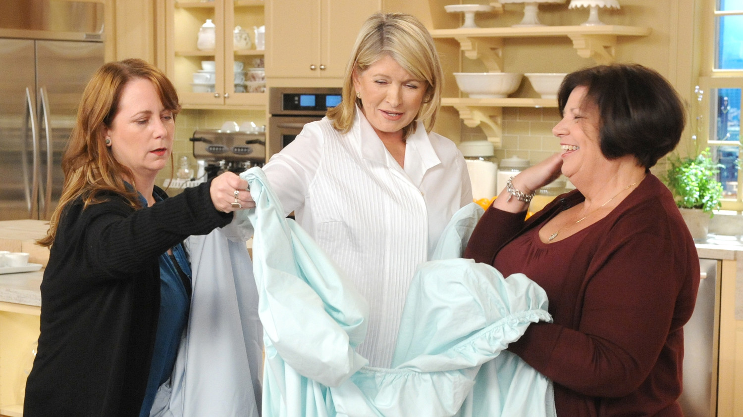 video fold a fitted sheet martha stewart