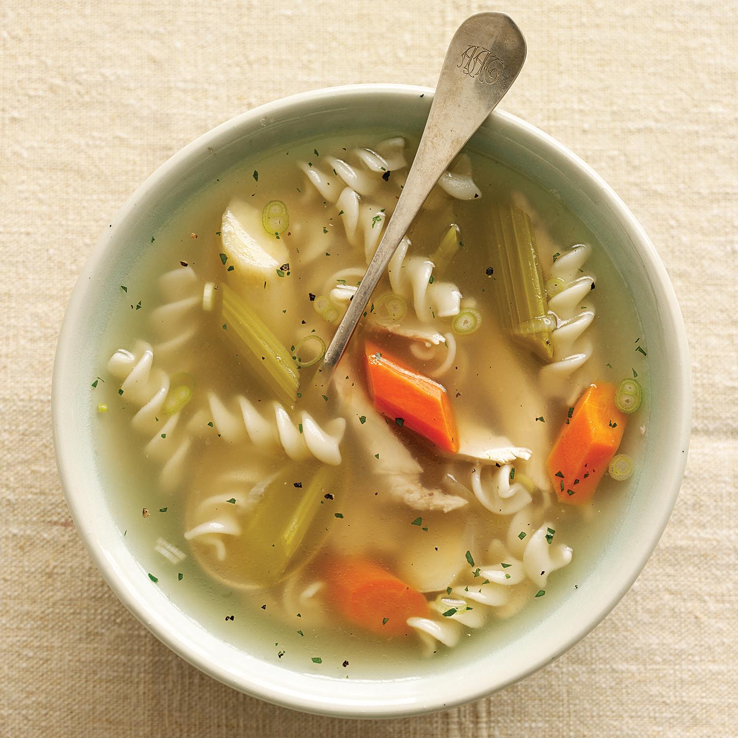 How to cook ordinary chicken broth