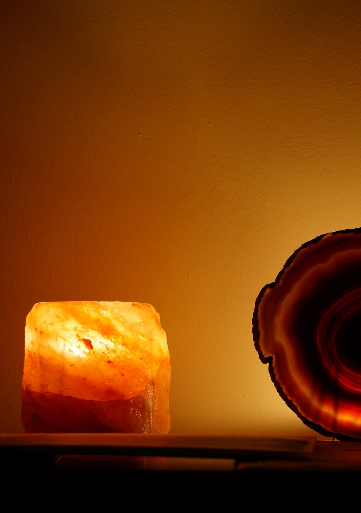 What exactly are himalayan salt lamps and what do they do for What do salt lamps do