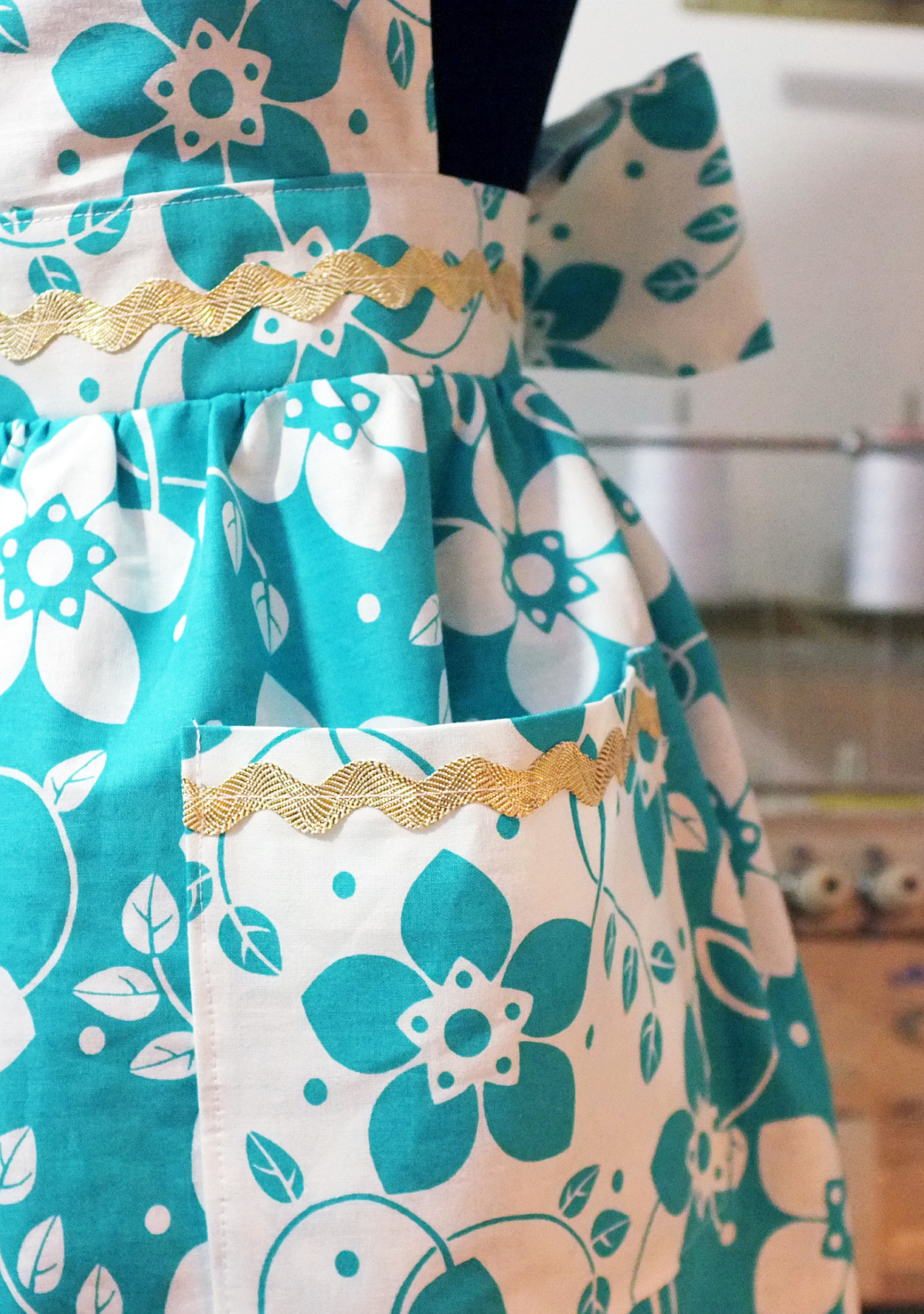 How To Sew Your Own Vintage Inspired Apron Martha Stewart