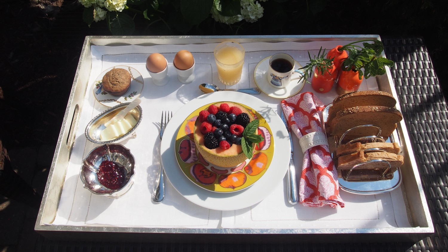 How To Compose An Elegant Anywhere Breakfast Tray Martha