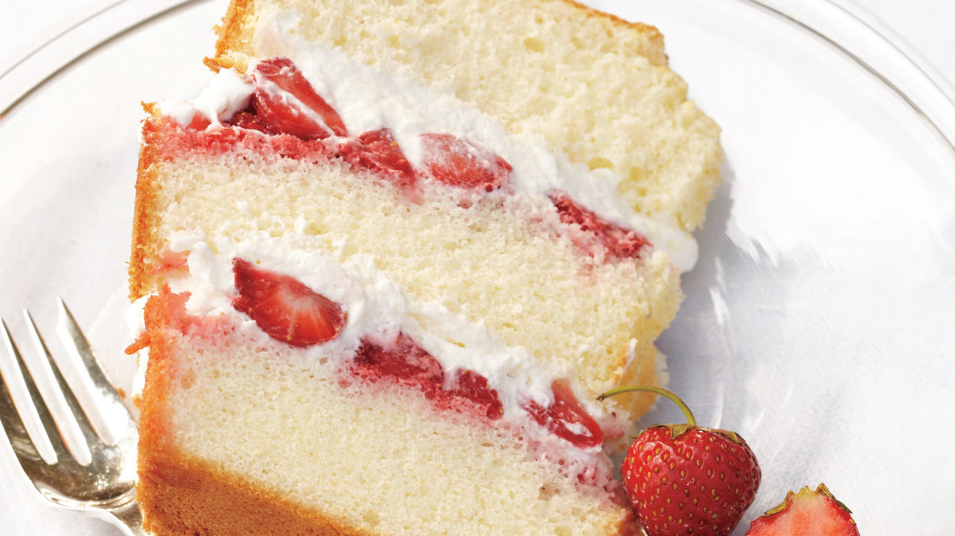 Light Lemon Sponge Cake Recipes: Chiffon Cake With Strawberries And Cream