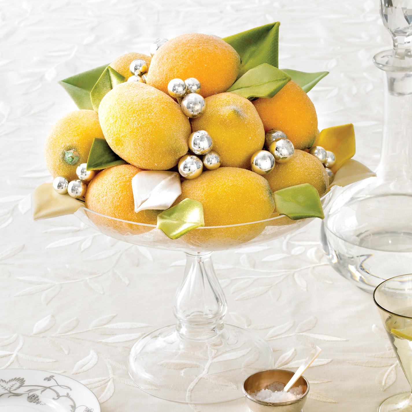 Decoration Ideas: New Year's Eve Table Decorations