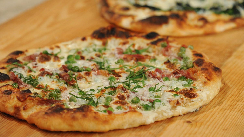 Pizza Tannenbaum.Ham And Peas Pizza