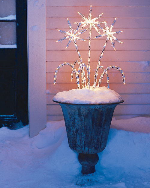 28 Outdoor Lighting Diys To Brighten Up Your Summer: Outdoor Lighting: Winter Arrangement