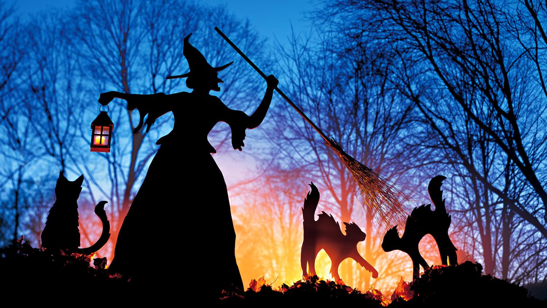 a101225-witch-night-1005.jpg