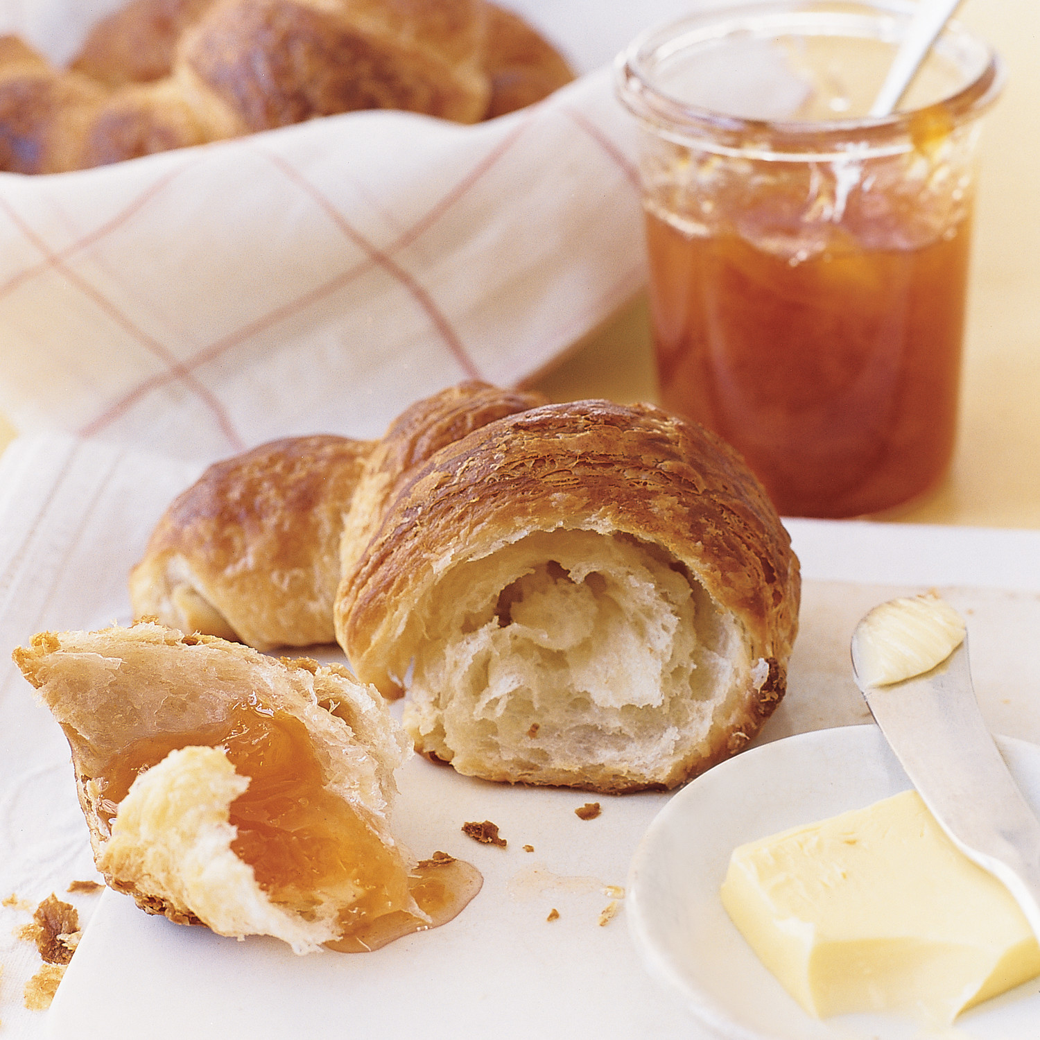 How to make croissants at home with fillings and without