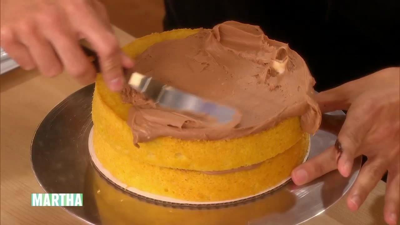 Video Favorite Birthday Cake Martha Stewart - Favorite birthday cake