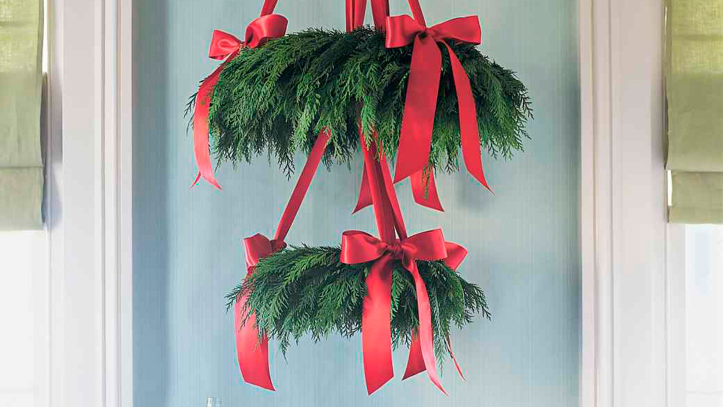 cedar wreath chandelier martha stewart. Black Bedroom Furniture Sets. Home Design Ideas