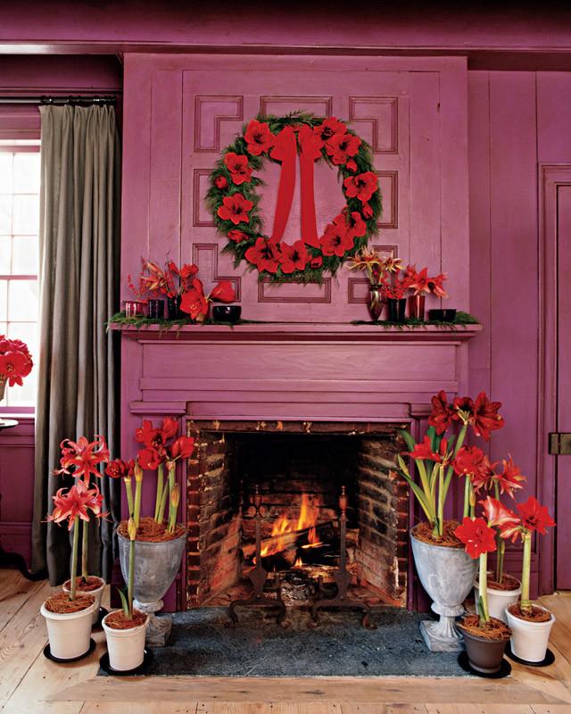 Hanging a Wreath | Martha Stewart
