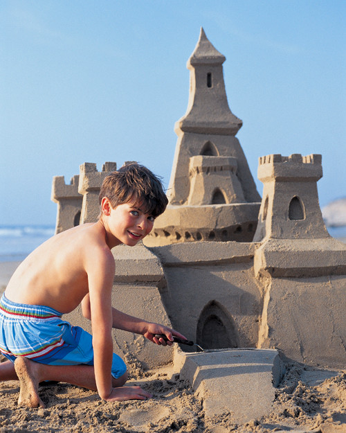 how to build a sand castle How to build a sandcastle cake tutorial - easy step by step instructions to make the coolest cake for your beach loving kiddo.