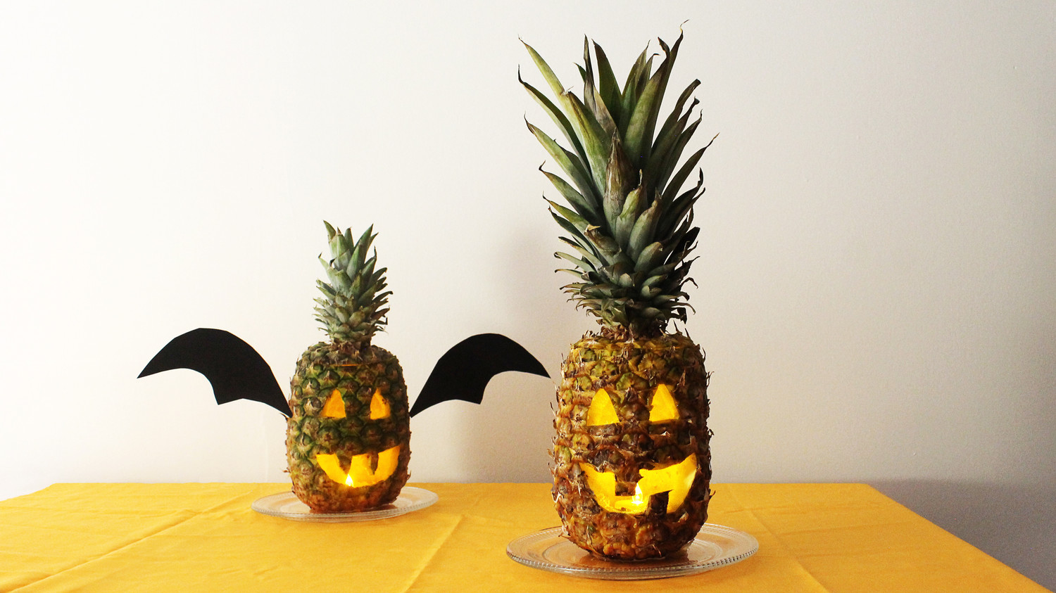 Happy Hula Ween Here S How To Carve Your Own Pineapple