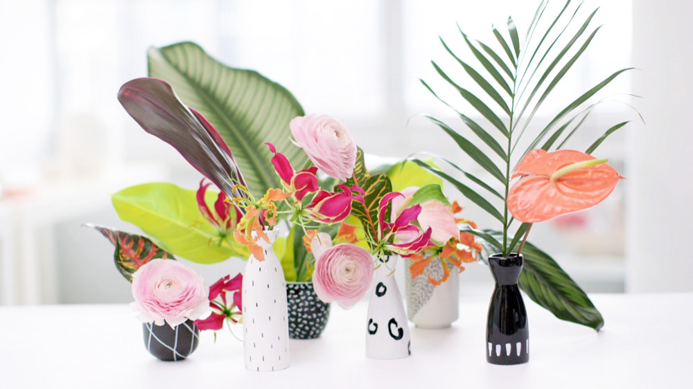 Simple diy vase idea with flower arrangements martha stewart for Easy way to paint flowers