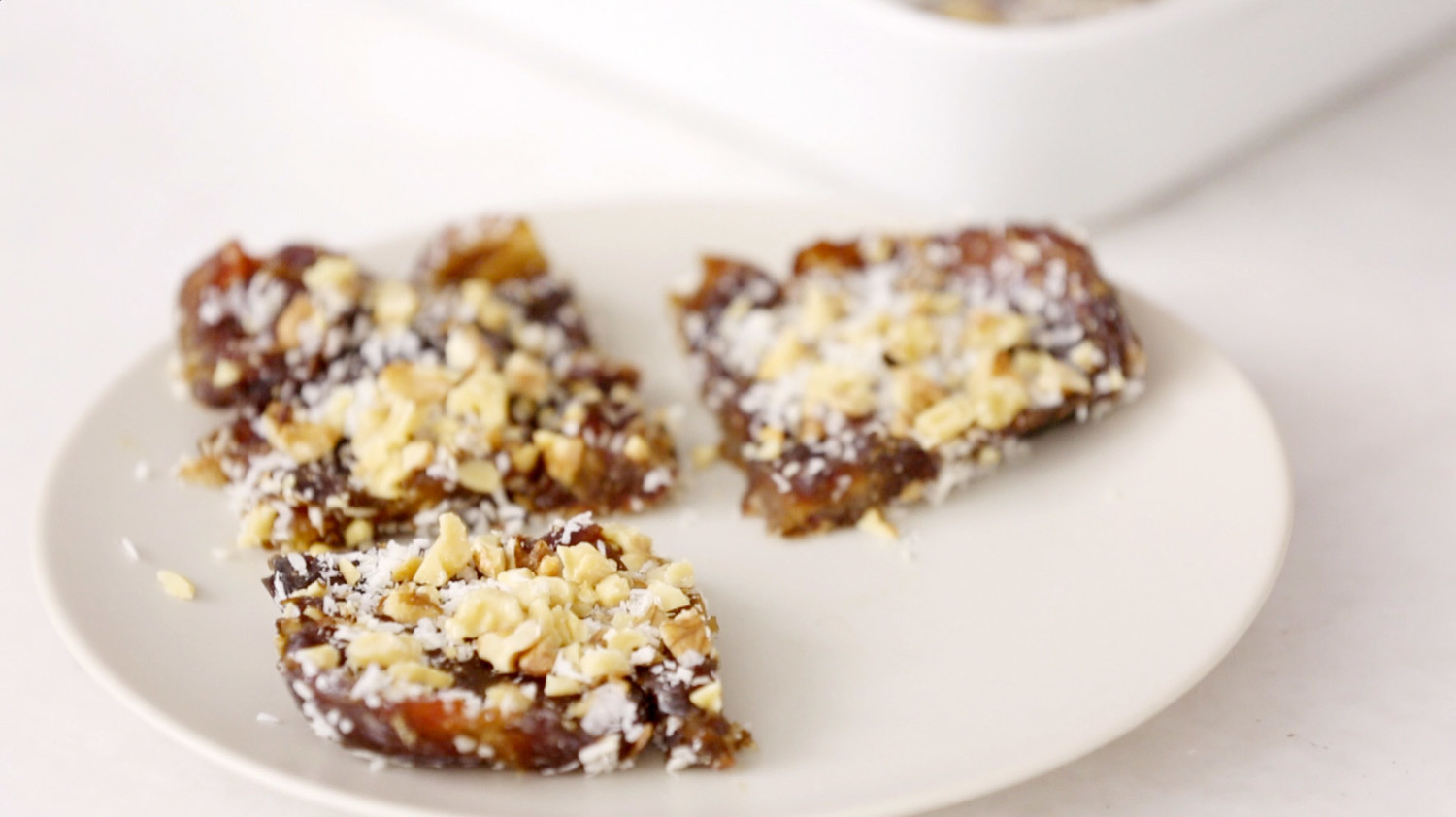 No-Bake Coconut Date Bars Videos | Food How to's and ideas | Martha ...