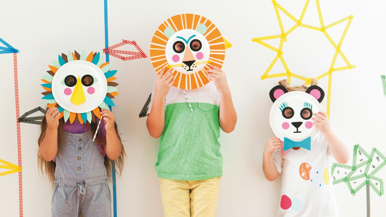 Fuzzy Paper Plate Bear | Kids' Crafts | Fun Craft Ideas ... | 844x1500