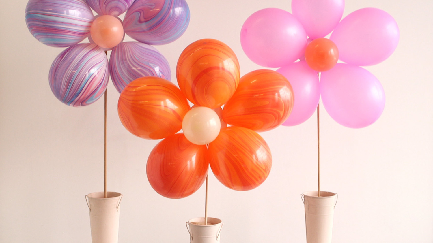 Video DIY Floral Balloon Bouquet