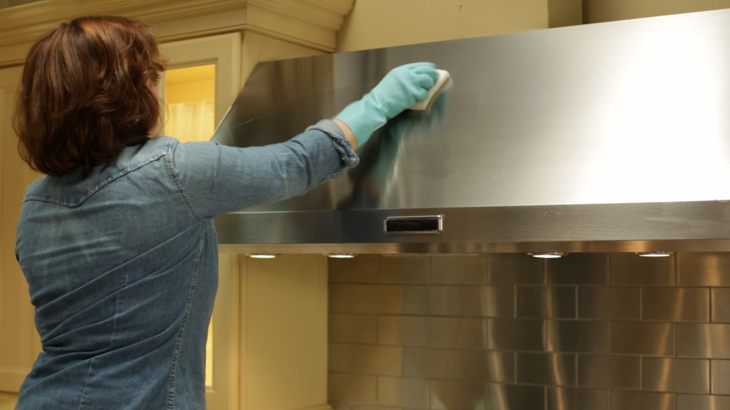 Dirty Exhaust Hood ~ Video how to clean the range hood martha stewart