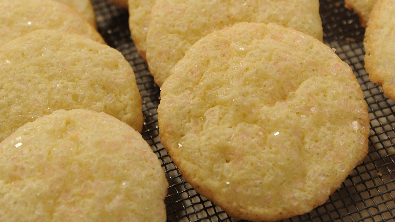 Sour cream cookies for home tea drinking